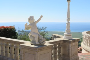 One of many classical statues around the Castle