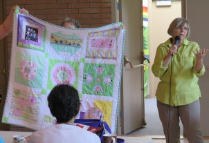 Diane' Baby Quilt - A 'friends' project