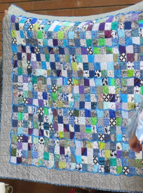 Carol's quilt - note twisted sashing technique